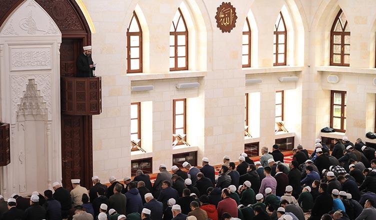 yeni zelanda terör saldırısı lanetlendi cuma hutbesi imam hutbede