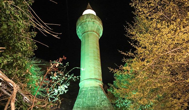 koronavirus salgini covid 19 yatsi namazi sonrasi minarelerde dua