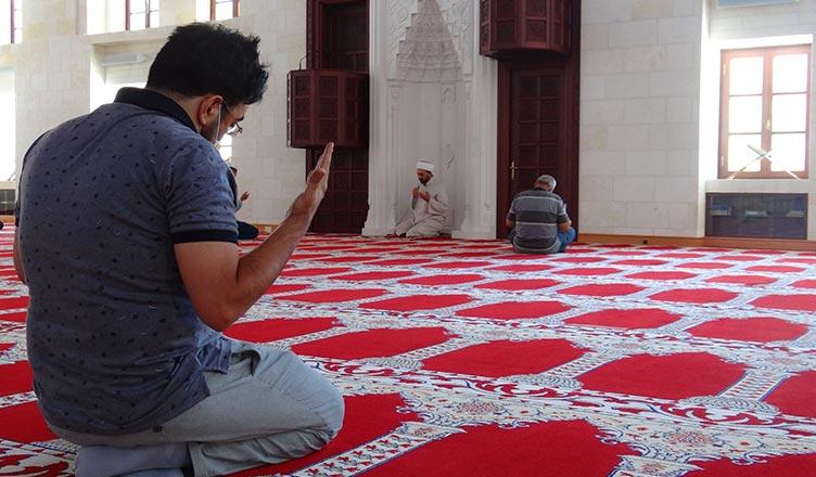 15 temmuz sehitleri icin dua edildi